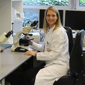 Human geneticist Dr. Anne-Karin Kahlert, Nationales Register | privat